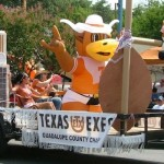 Guadalupe County Exes Show UT Pride on 4th of July Float