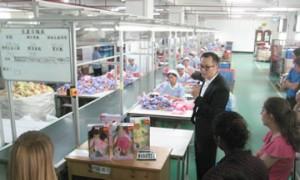 factory_dolls