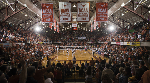 UT Volleyball Dominates Nation's Top Two Teams