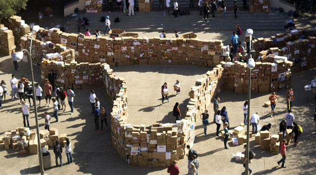 Ut Builds Giant Box Fort For Recycling Awareness The Alcalde