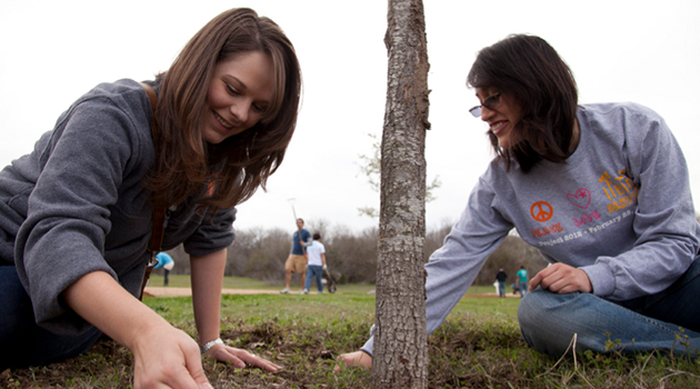 Longhorns to Give Back During Project Worldwide