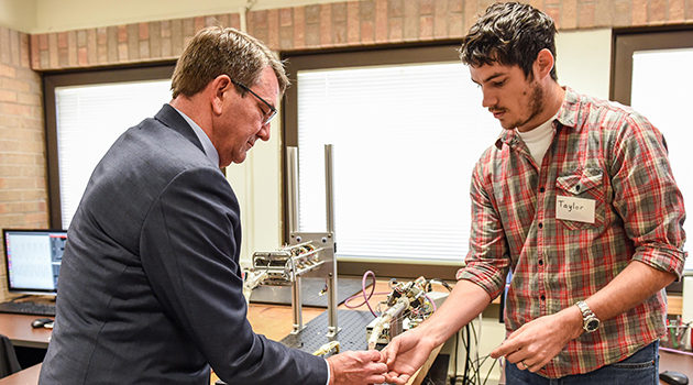 SD tours the Rehabilitation and Neuromuscular Robotics Lab.